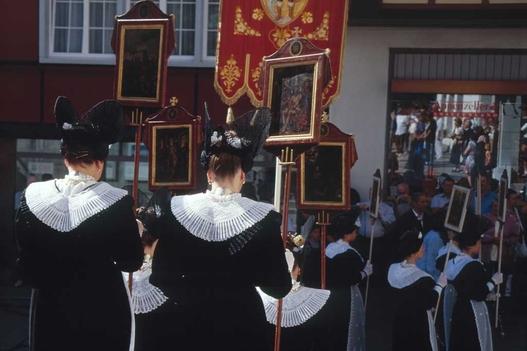Inventar der lebendigen Traditionen in der Schweiz. Zum Beispiel: die Fronleichnamsprozession in Appenzell